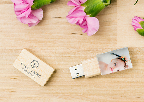 Personalize your USB Drive with your logo or with a photo from your client's session.