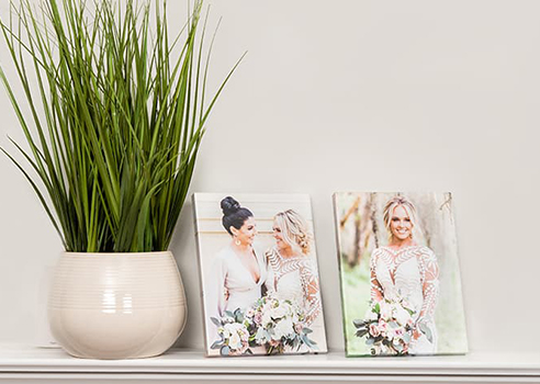 Create stunning collages all on the same stand, or choose just one perfect image to display.